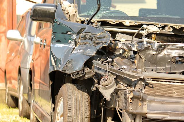 交通事故を起こした場合の人身事故と物損事故の違いを知っておこう
