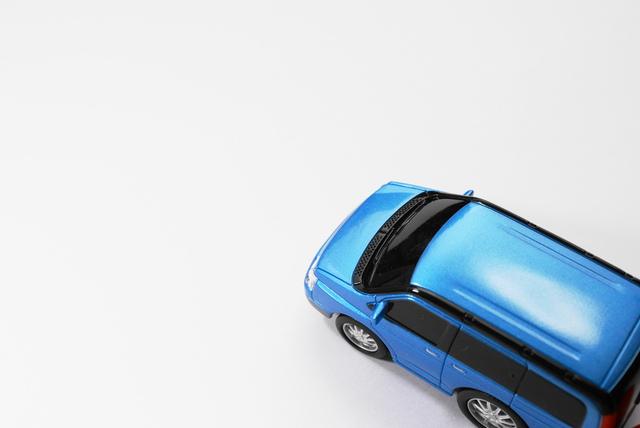 エンジンオイルの交換の目安や交換する意味、そして規格の違いについて